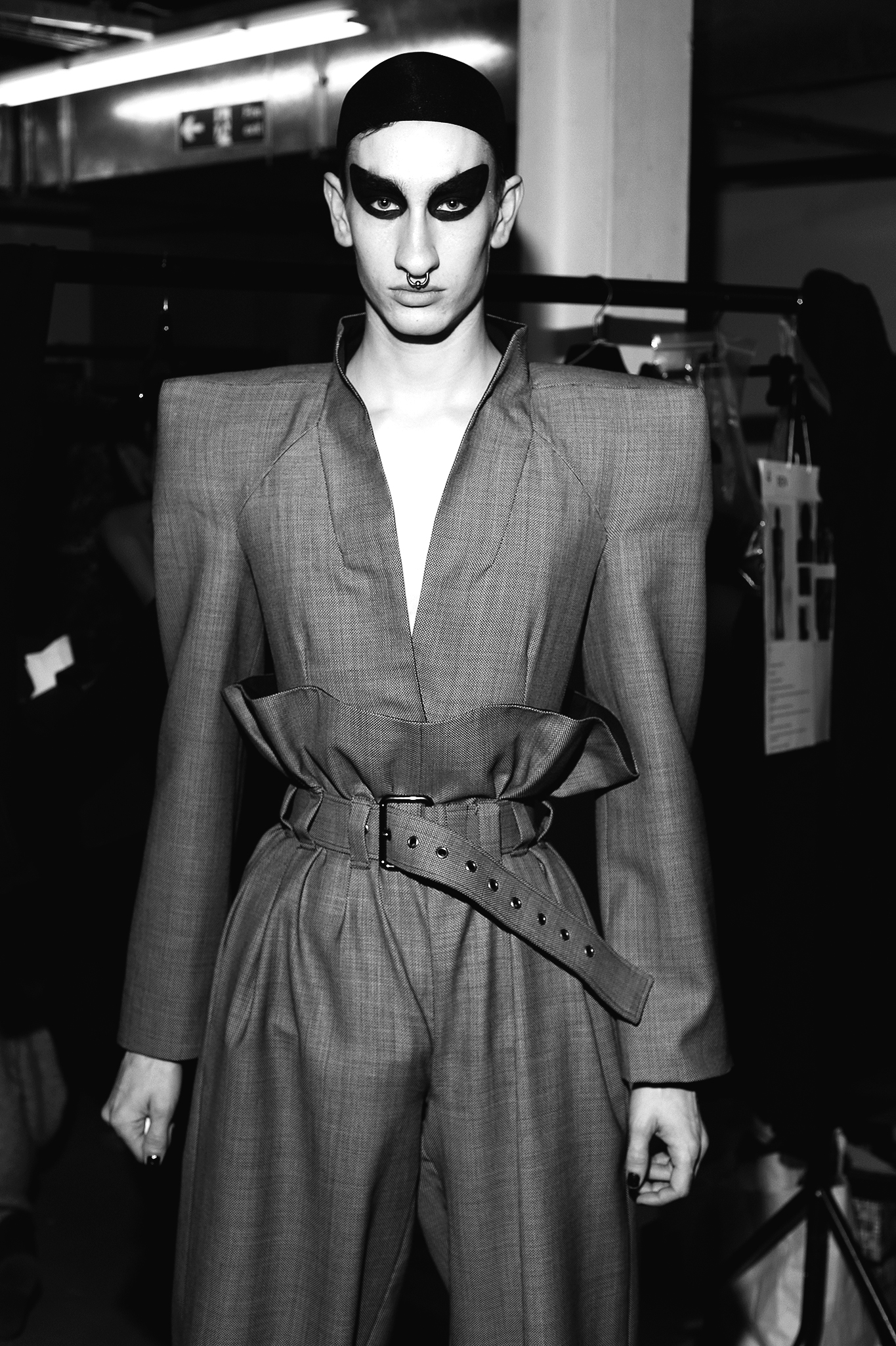 Gareth Pugh- London fashion week- aw18 - jungle magazine